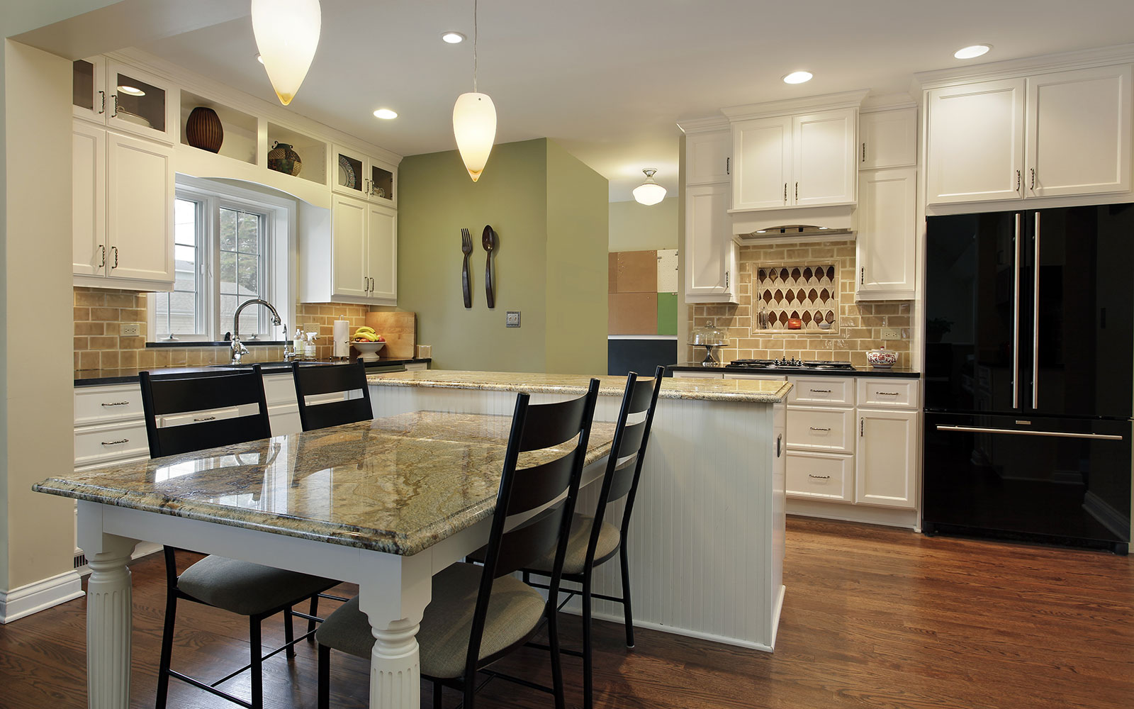 4 Brilliant Kitchen Remodel Ideas: Calgary Custom Kitchen Cabinets Ltd.